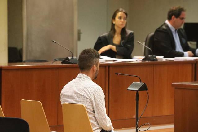 Catorze anys i tres mesos de presó per violar la seua fillastra a Guissona