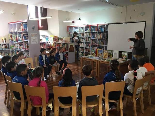 Cloenda de les visites escolars a la biblioteca