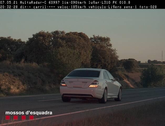 Denunciat penalment un conductor que circulava a 185 km/h per l'L-310