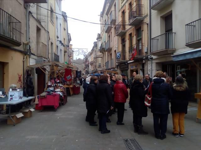 El carrer Guinedilda de Cervera acull el segon Mercat de Nadal del municipi
