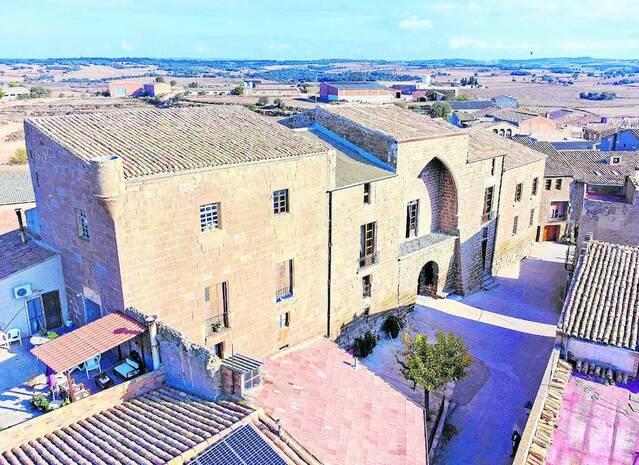 El castell de les Pallargues recupera la balconada gòtica