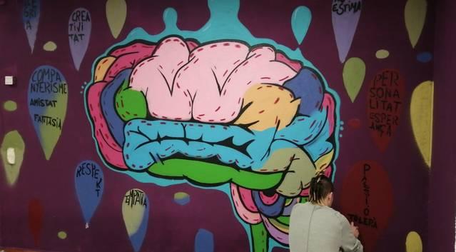 El Racó Jove de Cervera realitza un mural antiestigma