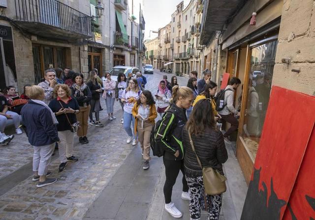 Estudiants d'art de Lleida recuperaran quatre botigues tancades del carrer Major de Cervera