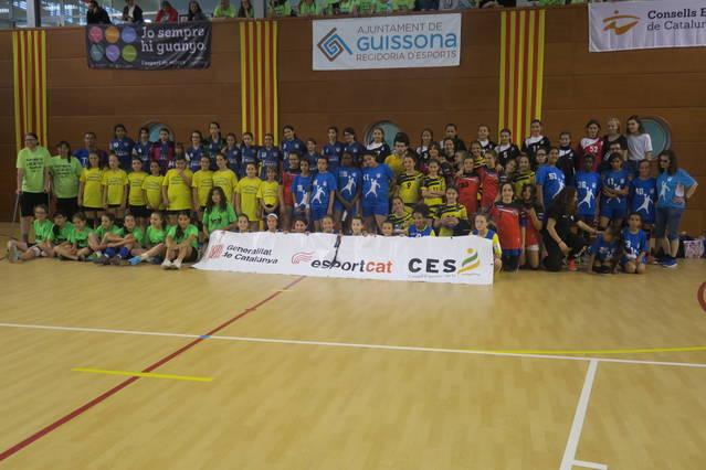 Guissona acull les finals nacionals d'handbol alevines dels JEEC, amb uns 170 participants