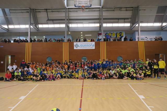 Guissona celebra la IX trobada mini d'handbol
