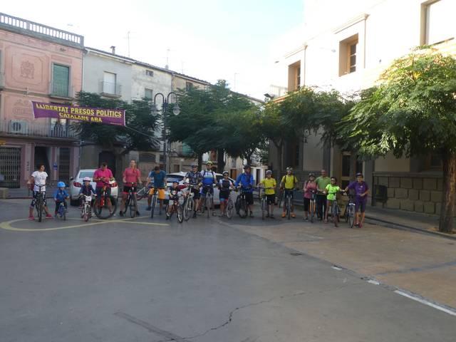 Guissona promou la mobilitat sostenible amb una bicicletada familiar