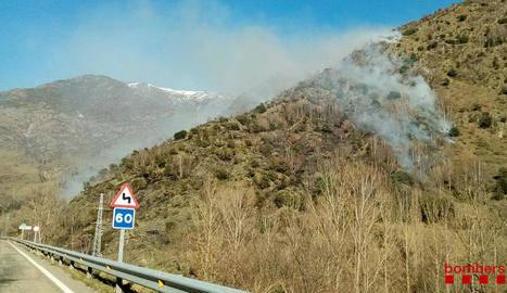 Incendi d'habitatge a Sanaüja i de vegetació a Vall de Cardós i a Alcoletge X, SANTESMASSES