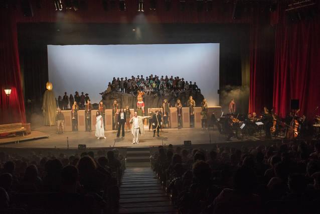 """Ja estan a la venda els abonaments per al 1r semestre del 22è Cicle de Teatre """"Apassiona't"""" de Cervera"""