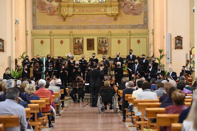La 'Música Nocturna' il·lumina l'església de Guissona
