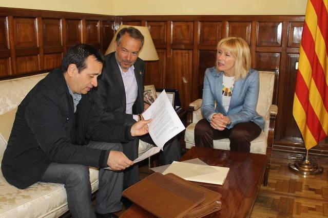 La Subdelegada del Govern rep a l'alcalde de Sant Ramon i de Sant Guim de Freixenet