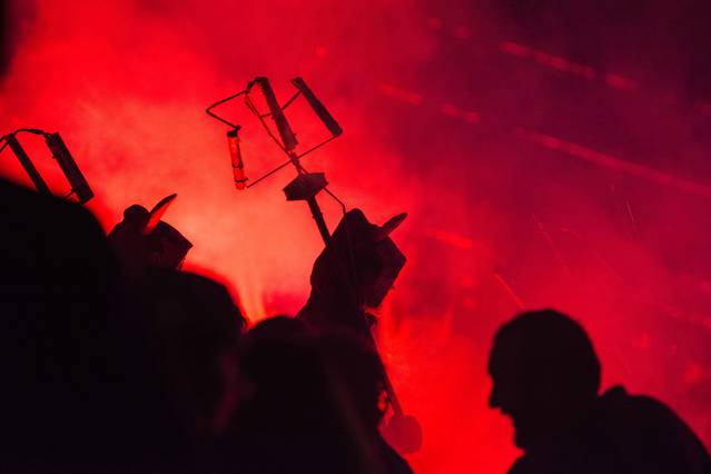 L'Aquelarre de Cervera desplega foc i música al Festival Cruïlla de Barcelona