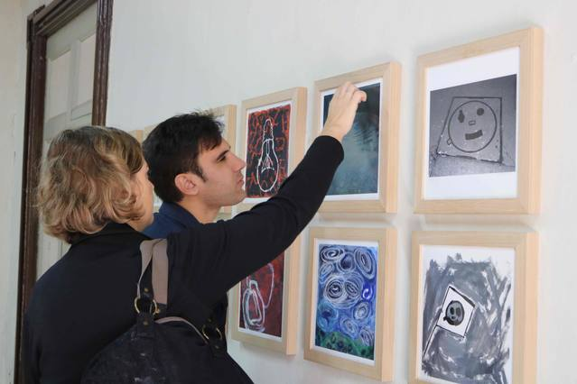 L'exposició col·lectiva Art Singular uneix a 48 artistes d'entitats socials a Cervera