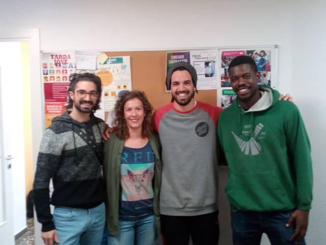 L'Oficina Jove presenta un vídeo interpretant una cançó en Llengua de Signes Catalana