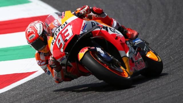 Márquez cau a Mugello i deixa la victòria a Lorenzo