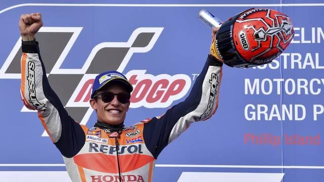 Márquez sentencia el mundial a Austràlia amb un triomf espectacular