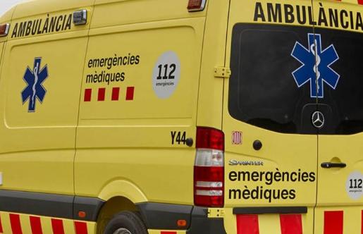 Mor el conductor d'un vehicle en xocar amb la porta d'un magatzem a Sant Ramon