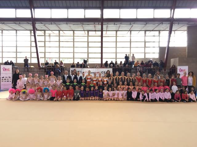 Trobada escolar de dansa i d'escacs del Consell Esportiu