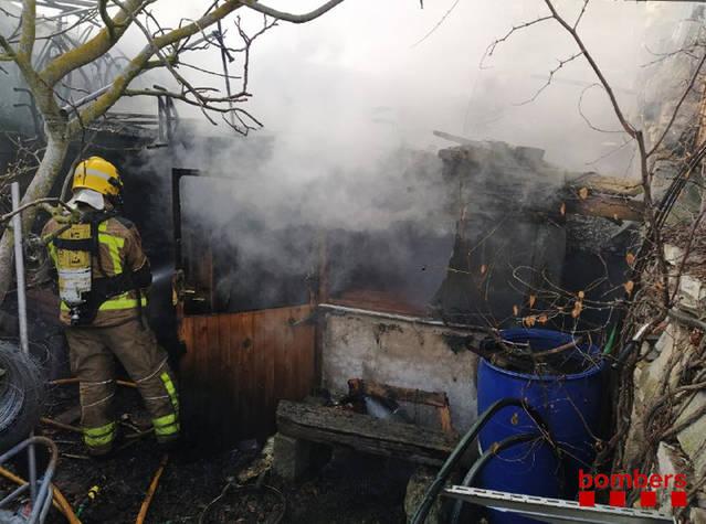 Un incendi calcina una casa deshabitada a la Segarra