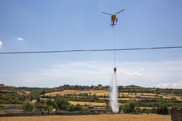 Un incendi calcina una hectàrea de camps de cereals a Cervera