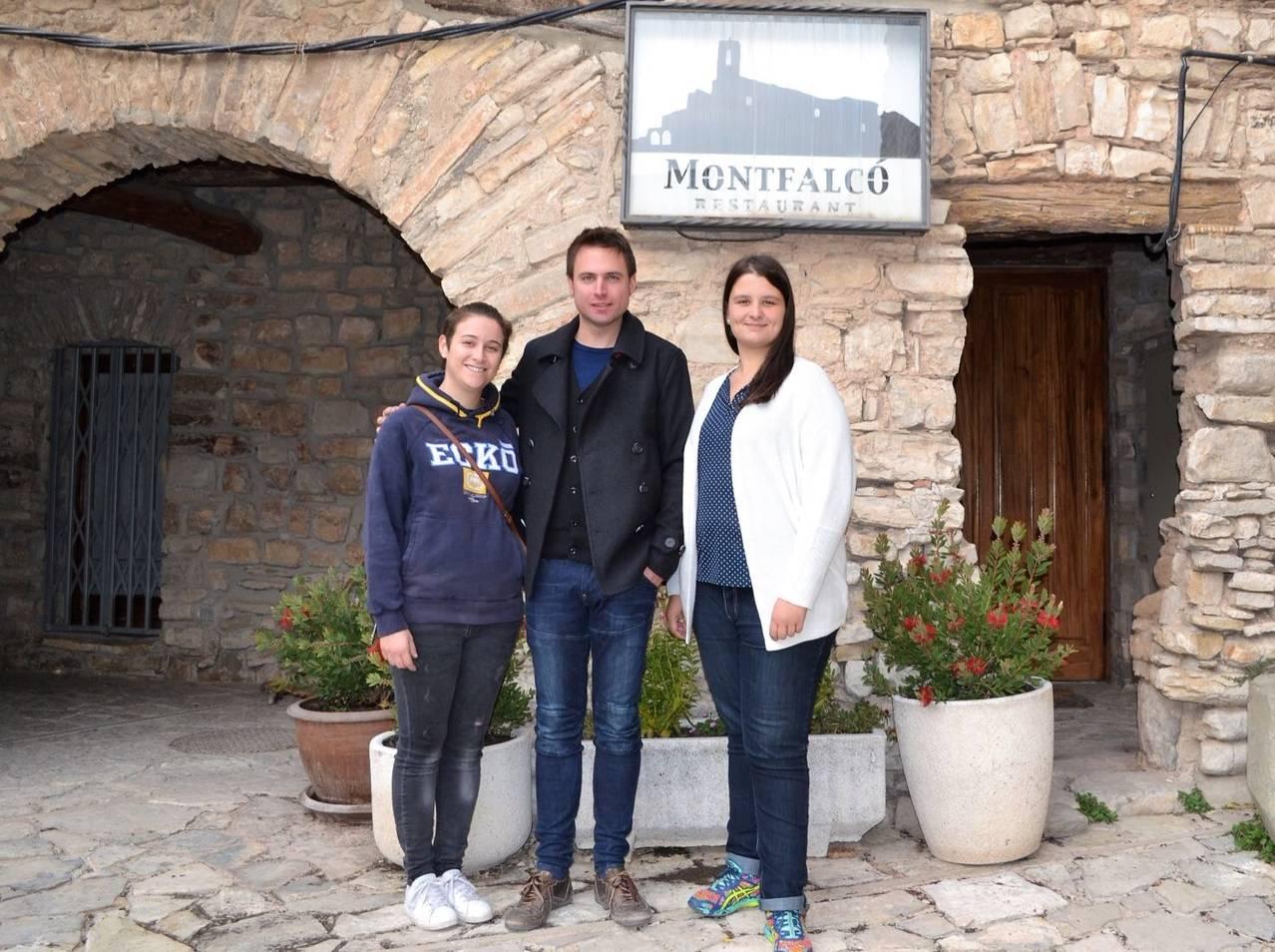 El conseller comarcal de turisme, Sr. Vicenç Roig, visita el restaurant de Montfalcó Murallat en vigílies de la seva reobertura