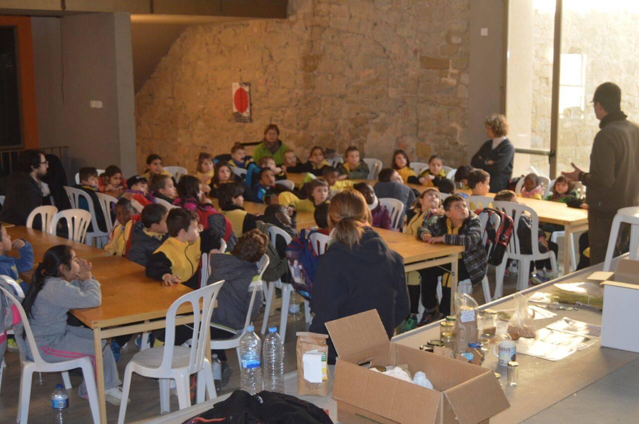 Els nens i nenes de l'Escola Jaume Balmes de Cervera visiten el Castell de Concabella