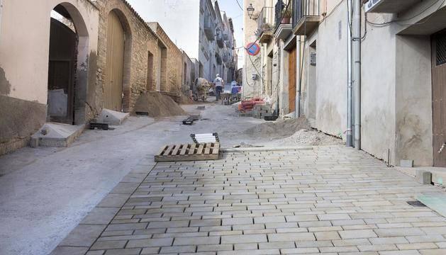 Ultimen les obres d'enllosat a la zona històrica de la capital