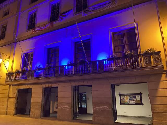 Borges s'il·lumina de blau pel Dia de la Fibromiàlgia