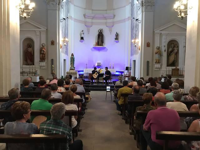 Duo Contrastes, dos instruments i un cant únic, a l'església de Sant Antoni Abat de Bellaguarda en el marc del 8è Garrigues Guitar Festival
