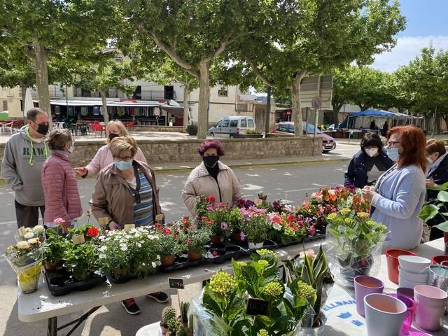 Flors pel dia de la Mare a Castelldans