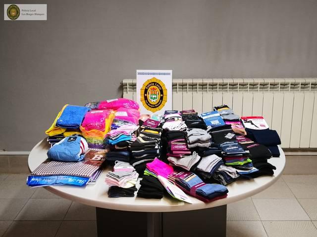 La Policia Local de les Borges decomissa 286 articles de roba per venda ambulant sense llicència