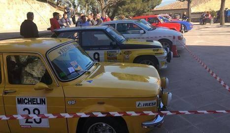 Més de cent vehicles a la Trobada de Cotxes d'Arbeca