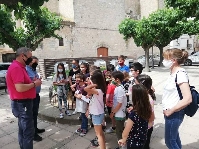 Alumnes del col·legi Francesc Arenes descobreixen l'ajuntament de Golmés
