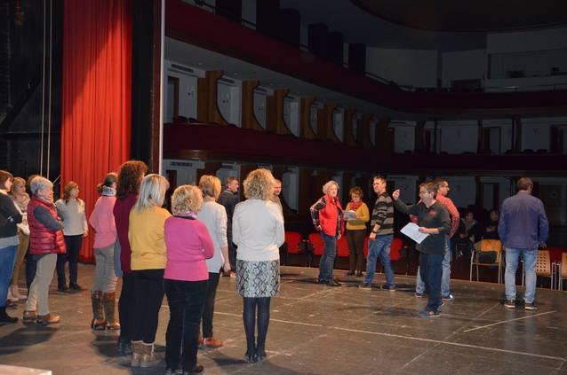 """""""Amb """"H"""" d'Història"""", el nou espectacle musical del Grup de Teatre de la Colla dels 50 i més de Mollerussa."""