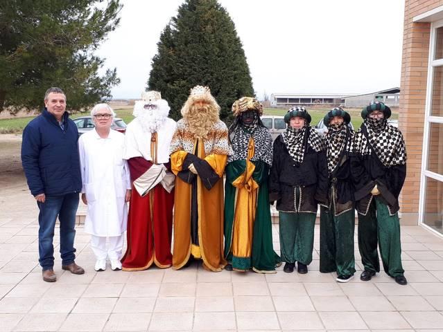 Visita de Ses Majestats a la residència Josep Torrent de Vila-Sana