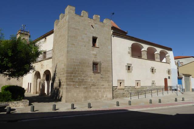 Barbens organitza  una visita guiada al  seu castell templer