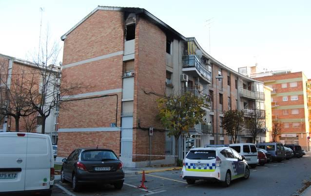Comencen els treballs per assegurar l'immoble del Grup Jaume d'Urgell afectat per l'incendi