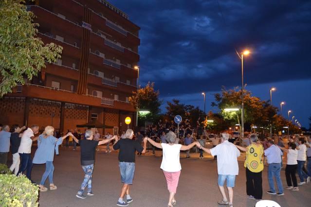 El 23è aniversari d'inauguració del Monument de la Sardana ha aplegat a 300 persones