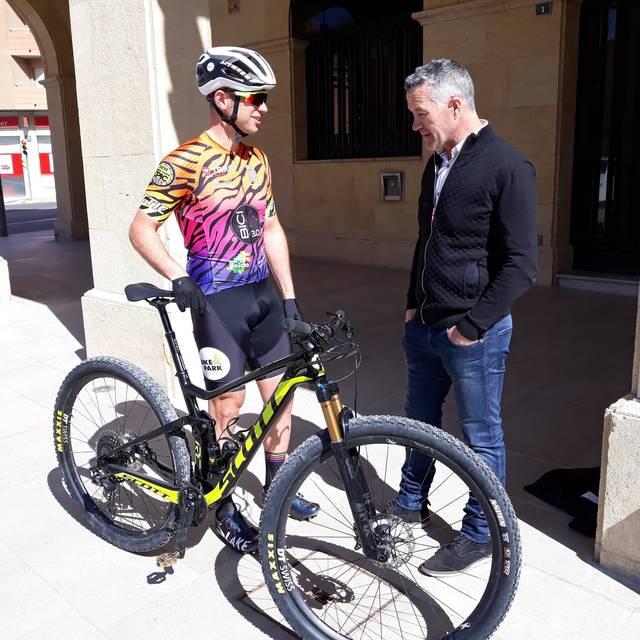 El ciclista de Mollerussa, Marc Tugues, participa en la cursa de ciclisme més dura del món a Sud-Àfrica