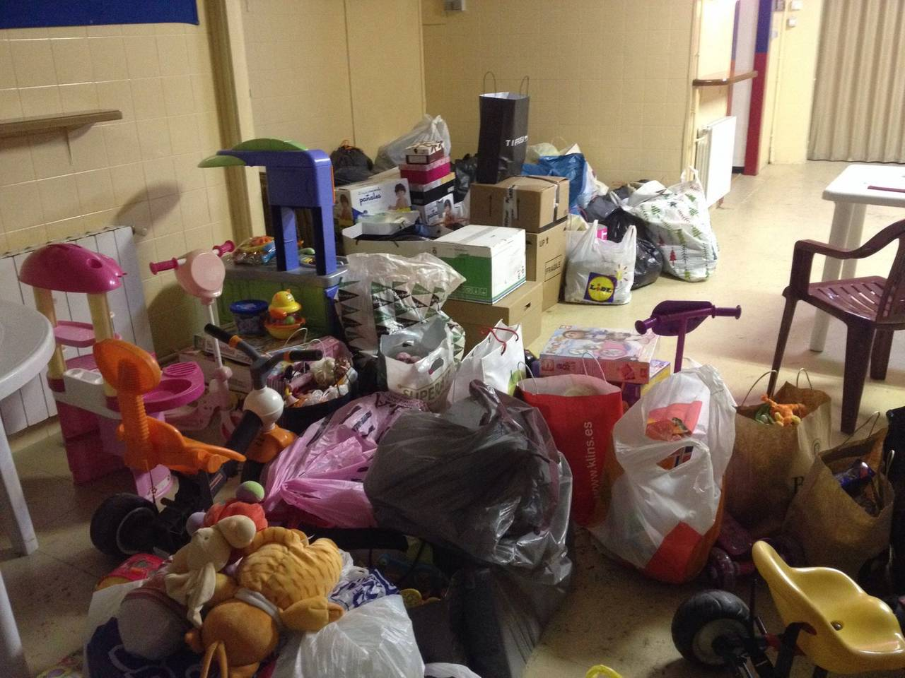 El Palau d'Anglesola engega una campanya solidària de recollida de joguines i roba