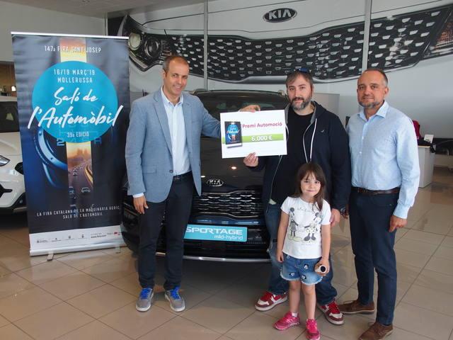 Fira de Mollerussa lliura el premi de 6.000 euros per la compra d'un cotxe a la Fira de Sant Josep