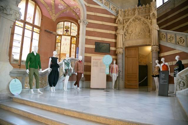 La 080 Barcelona Fashion promociona els vestits de paper de Mollerussa