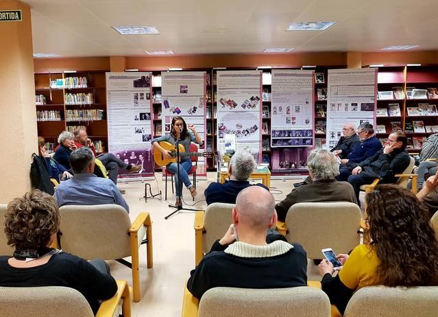 La biblioteca de Mollerussa acull l'acte central a Lleida del Dia de la Poesia amb un concert de Meritxell Gené