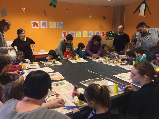 La biblioteca estrena programació infantil amb els tallers solidaris i L'hora del conte com a protagonistes