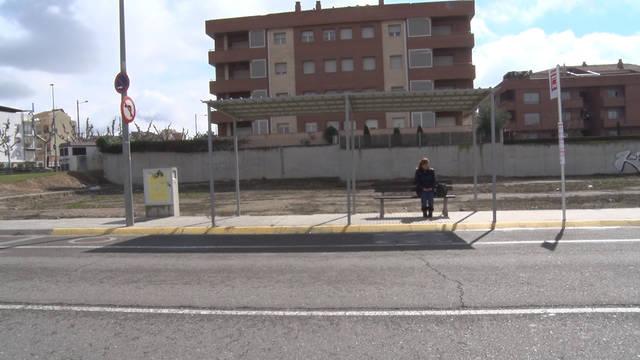La parada d'autobusos de la carretera de Torregrossa on s'haurien discutit els joves