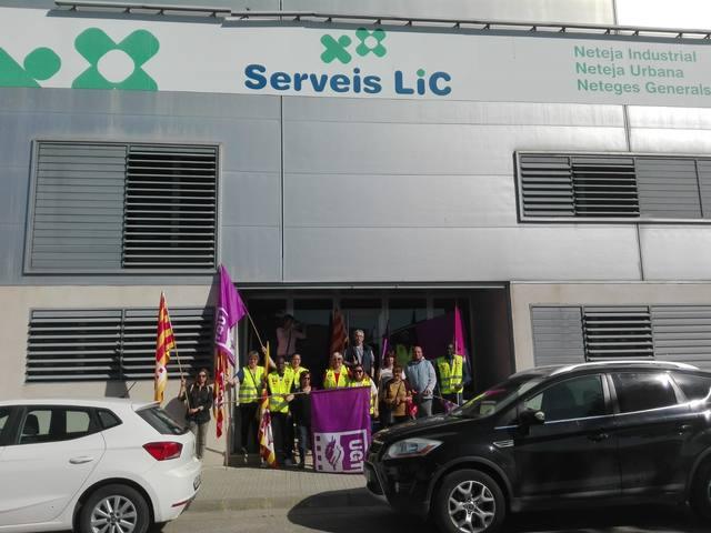 La UGT es manifesta davant l'empresa Serveis LIC de Mollerussa