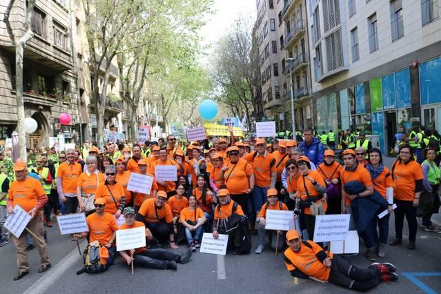 L'Acudam i més de 200 entitats es manifesten a Barcelona per exigir millores al sector