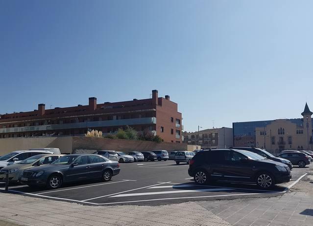 L'Ajuntament posa en funcionament 70 places noves d'aparcament al carrer La Creu i a l'avinguda Balaguer