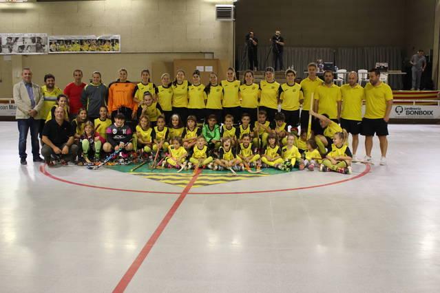 Les jugadores del CP Vila-sana conviden a patinar amb elles