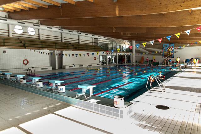 Les obres a la piscina coberta permeten obrir el bany lliure des d'aquest divendres i fins al 17 d'octubre