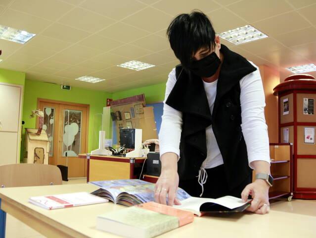 Llibres de sensibilització sobre medi ambient o amb enigmes, l'aposta de bibliotecaris per als petits aquest Sant Jordi